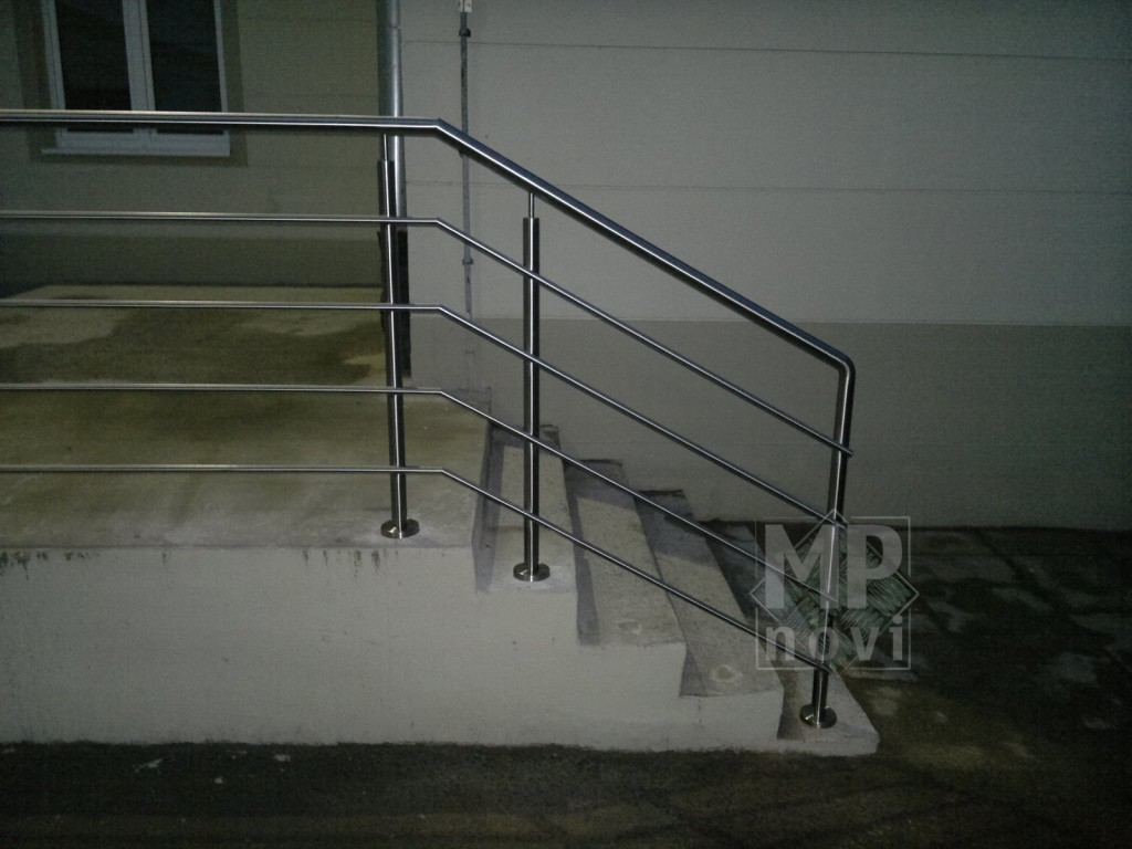 Balustrada nierdzewna - zewnętrzna