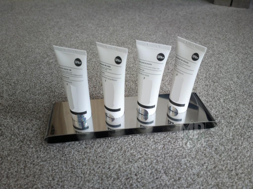 Wyposażenie wnętrz - Stojak na kosmetyki